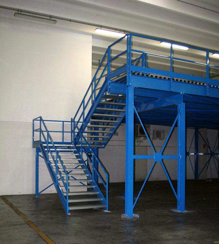 Soppalchi tettoie e scale per l 39 industria a bologna for Soppalco d arredo normativa