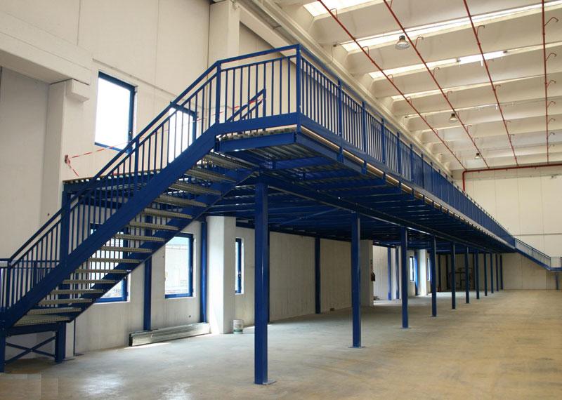 Soppalchi tettoie e scale per l 39 industria a bologna - Scale per soppalchi ...